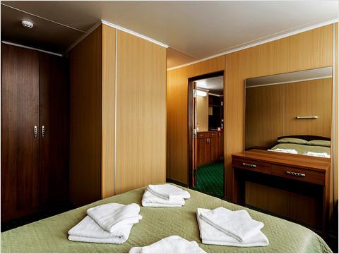 Спальная комната люкса теплохода «Феликс Дзержинский»
