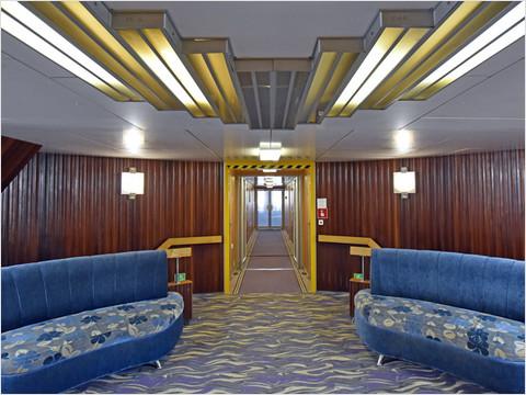 Холл шлюпочной палубы теплохода «Михаил Фрунзе» (фото 27 из 27)