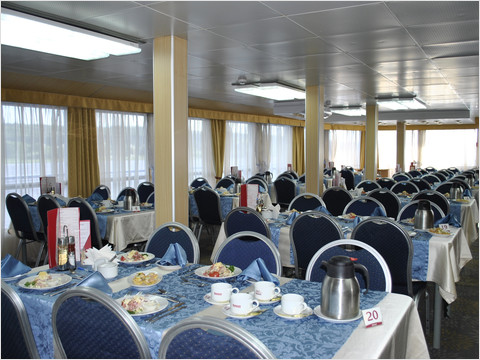 Ресторан теплохода «Михаил Фрунзе» (фото 22 из 27)
