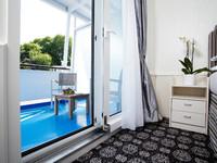 Люкс с балконом