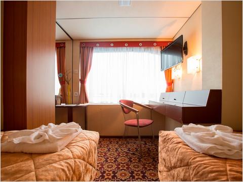 Спальная комната полулюкса теплохода «Александр Пушкин»
