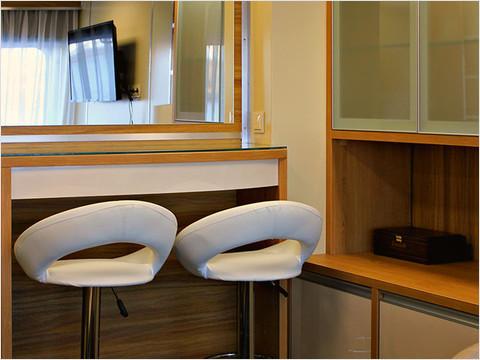 Гостиная комната люкса теплохода «Александр Радищев» (фото 40 из 47)