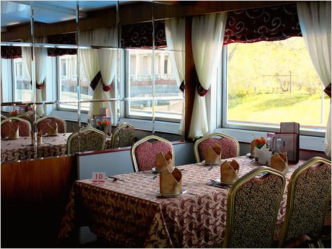 Бар-ресторан «Нева» теплохода «Александр Радищев» (фото 23 из 47)
