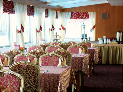 Бар-ресторан «Нева» теплохода «Александр Радищев» (фото 45 из 47)