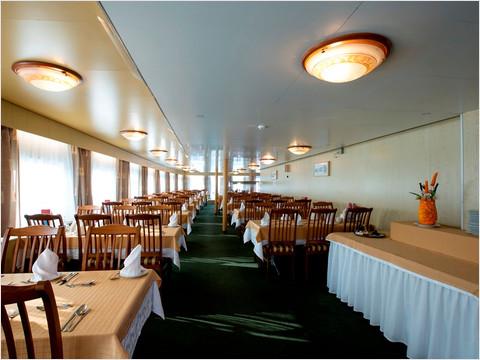 Ресторан «Волга» теплохода «Константин Симонов»