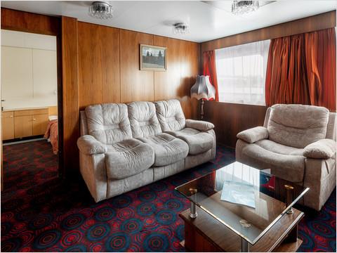 Спальная комната люкса теплохода «Леонид Соболев»